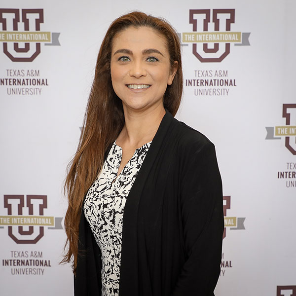 Dr. Claudia San Miguel