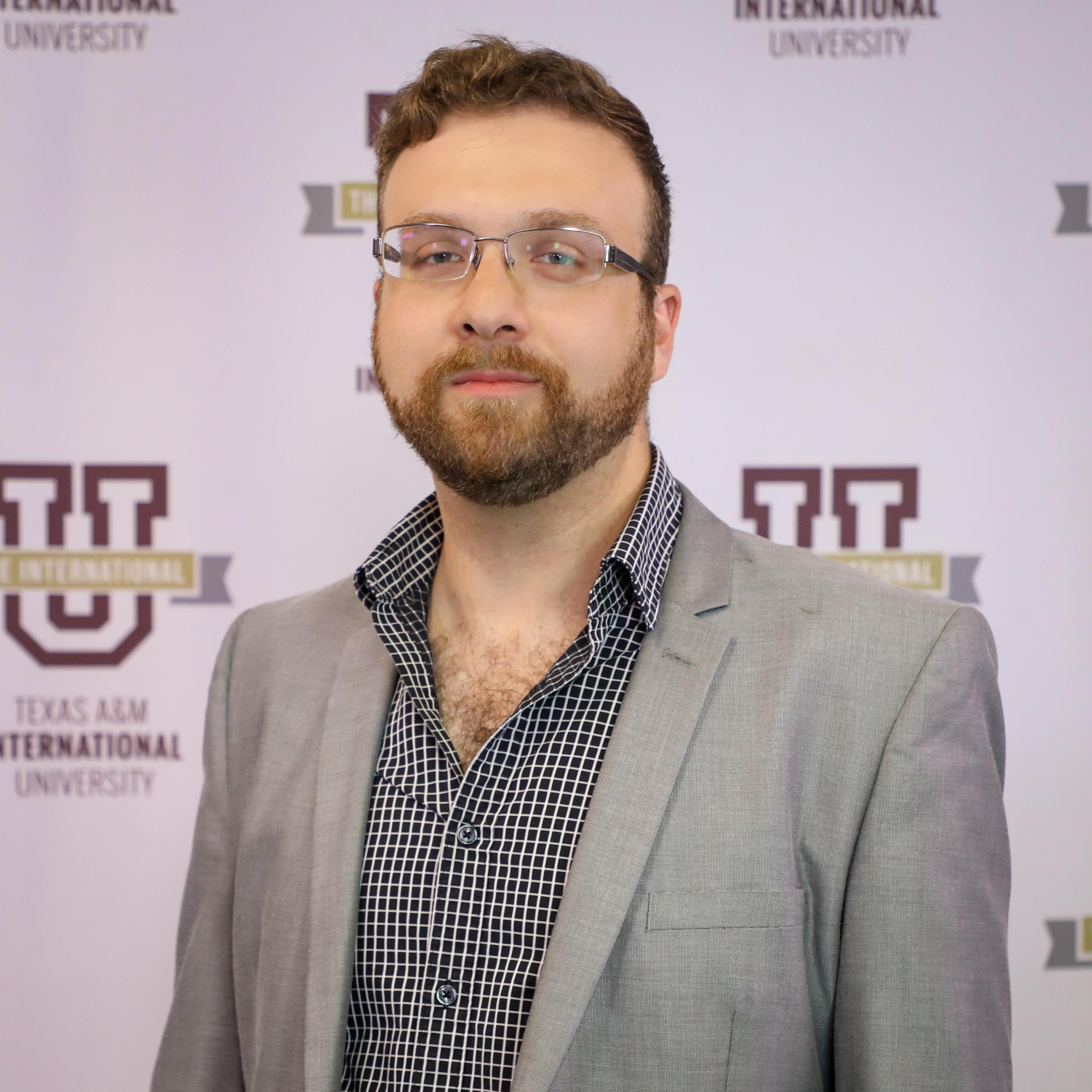 Dr. Adam Kozaczka