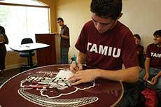 Connect to TAMIU