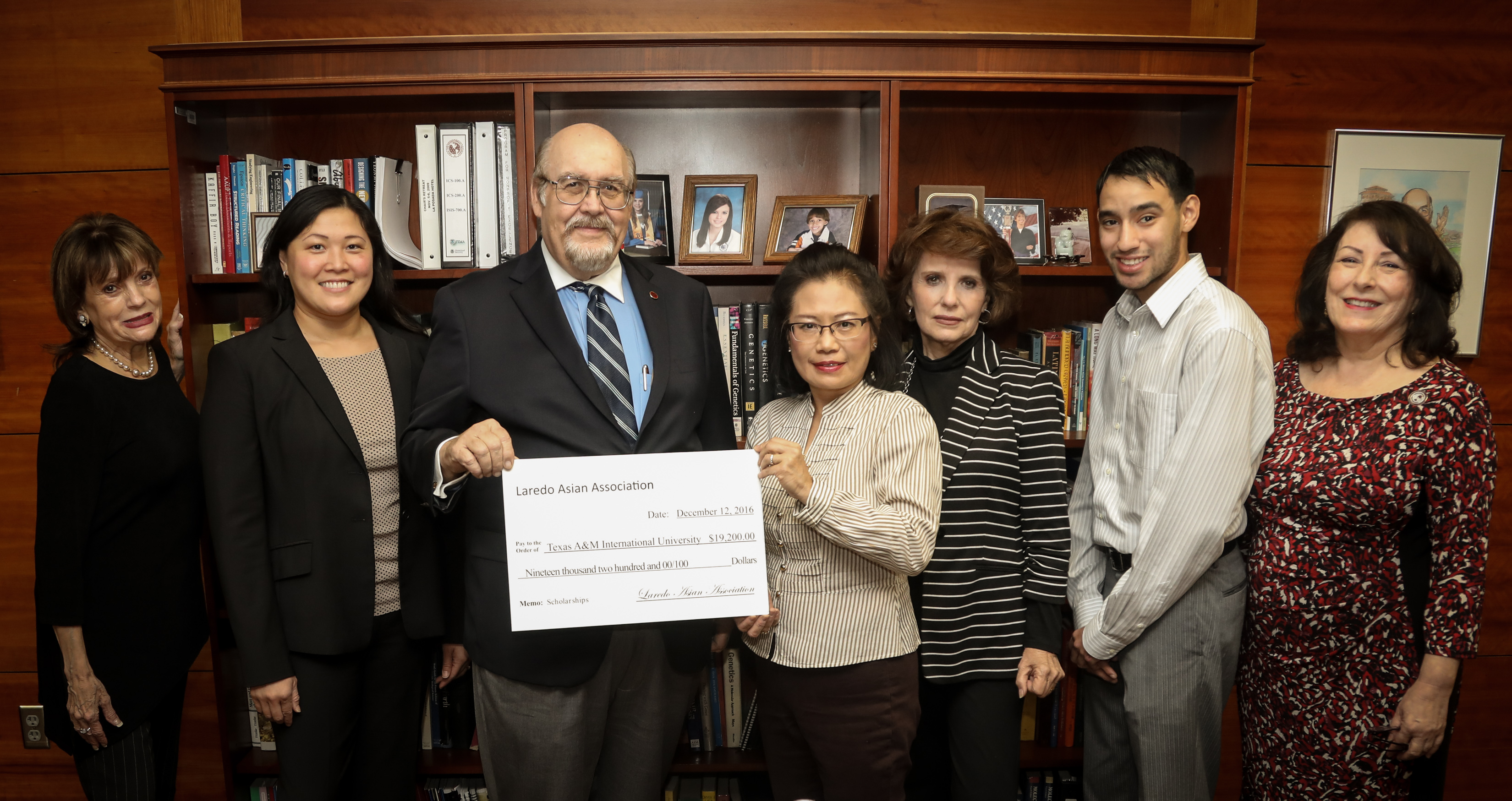 Laredo Asian Association Presents Gift to TAMIU Student Scholarships