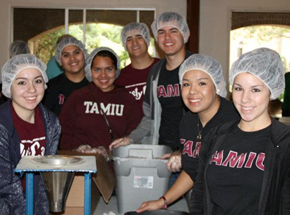 TAMIU Students at Community Service Event